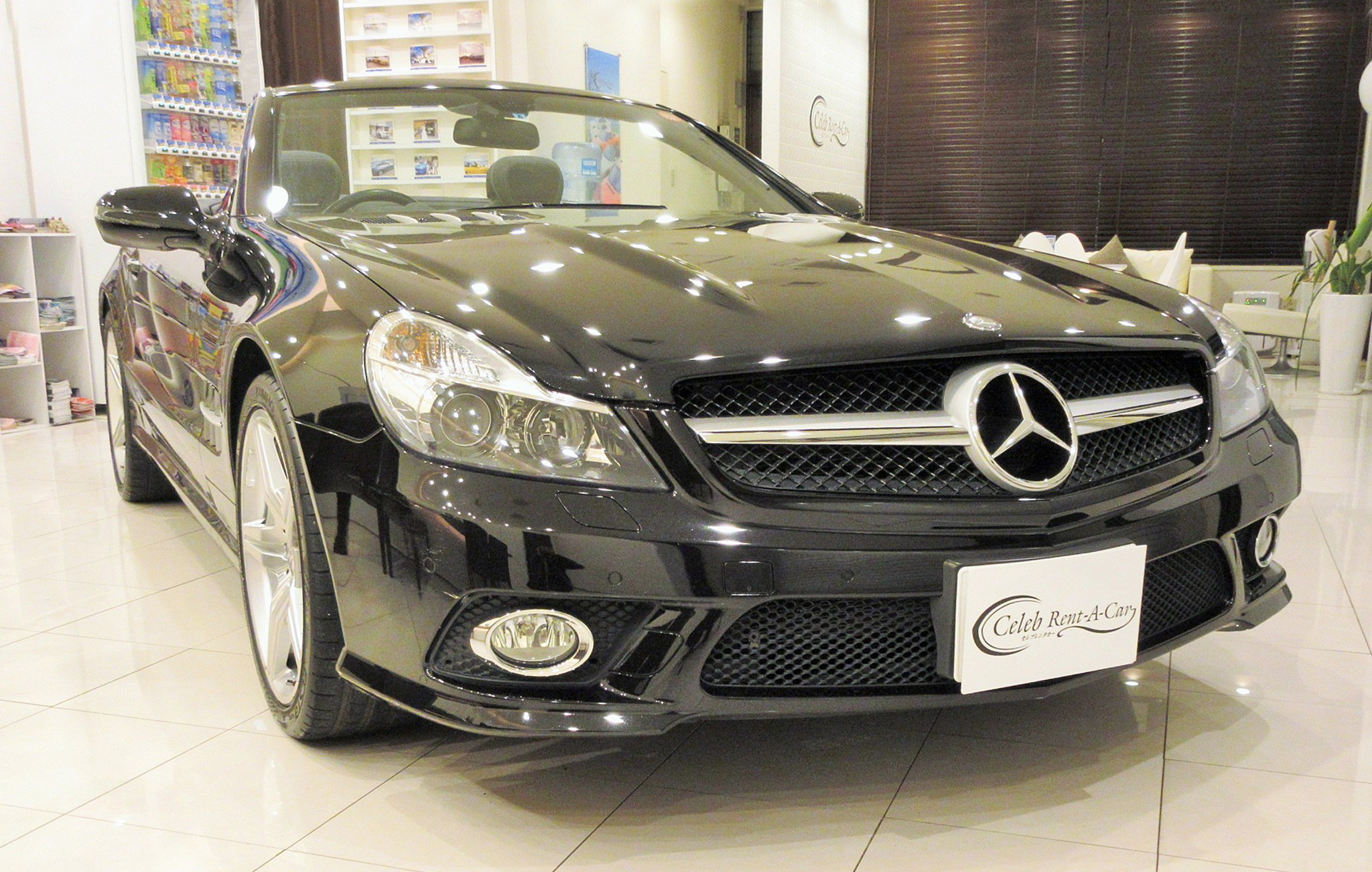 Mercedes-Benz-SL350 black